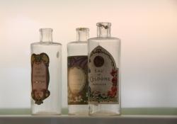 2010-05-grasse-parfummerie-museum-2-6b7a5a98d2ebea9c6059589067784571a4d978ca